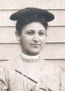 brown-amy-lou-c-1905