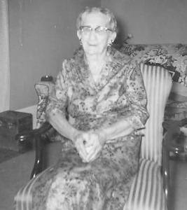 Seaford/Sifford--Sara Elizabeth Seaford; Group pic includes Ina Barringer and Turner Sifford; Sifford, Walter, wife Bessie, daug Ruth Aug 1928; Seaford, Ina Barringer
