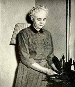 lentz-laura-h-lenoir-rhyne-1955